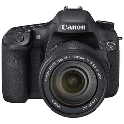 Canon EOS 7D 18-55mm Kit